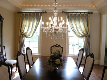 Goblet pleated drapes 01