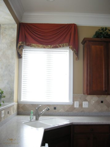 Straight valance with cascades 11