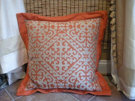 Toss pillows 14
