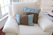 Toss pillows 13