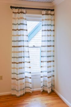 Panels with strips for a boy's room