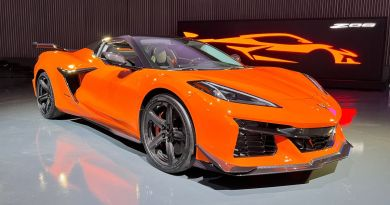 2023 Chevy Corvette Z06: What revs to the heavens should go like hell