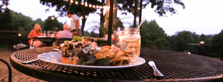 Eat outdoors in Stowe, VT