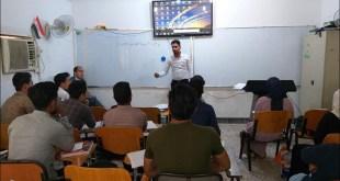 طلبة المرحلة الاولى يناقشون تقاريرهم العلمية