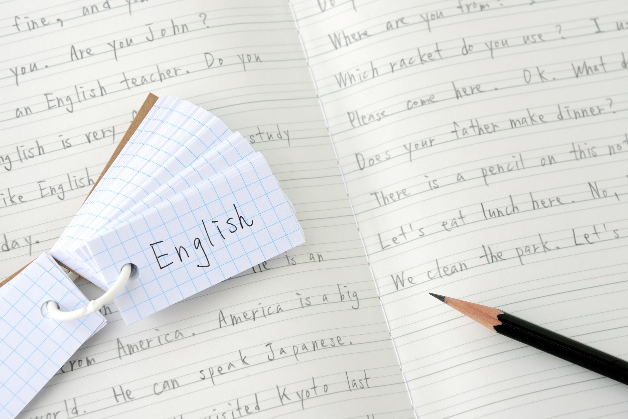Menggunakan flashcards merupakan salah satu cara efektif melatih vocab bahasa Inggris anak - Edu2Review