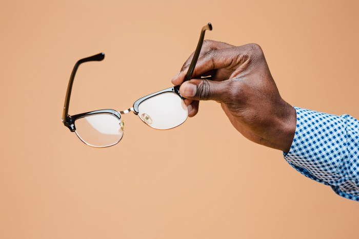 Por que não consigo me adaptar com os óculos de grau?
