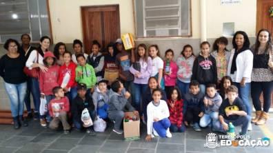 Alunos e equipe da Unidade na visita ao Asilo Mansão dos Velhinhos – Pimenteiras