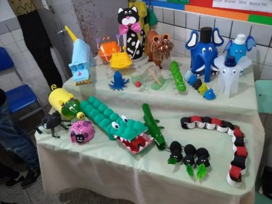 2º ano - Animais - Bonecos de material reciclável