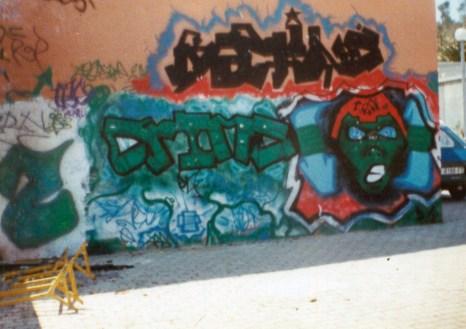 Machine Crime de Alc i Eko al Amfiteatre de Roquetes. La paret és de l'Escola Antaviana. 1991