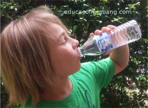Bebiendo agua fresca