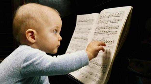 Resultado de imagem para bebes musica