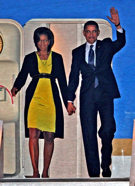 https://i0.wp.com/educate-yourself.org/cn/Barack%20and%20Michelle%20at%20London%20airport%202248.jpg