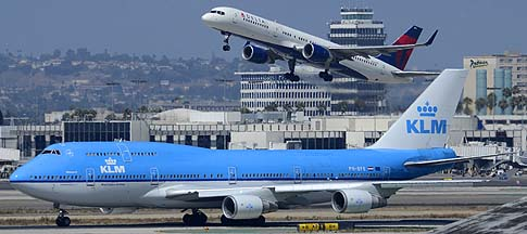 20130820-lax_0305-747-406-ph-bfe-klm-757-232-n664dn-delta-left-front-m