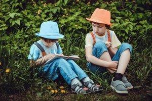 Love of Books & Summer Reading Logs Image
