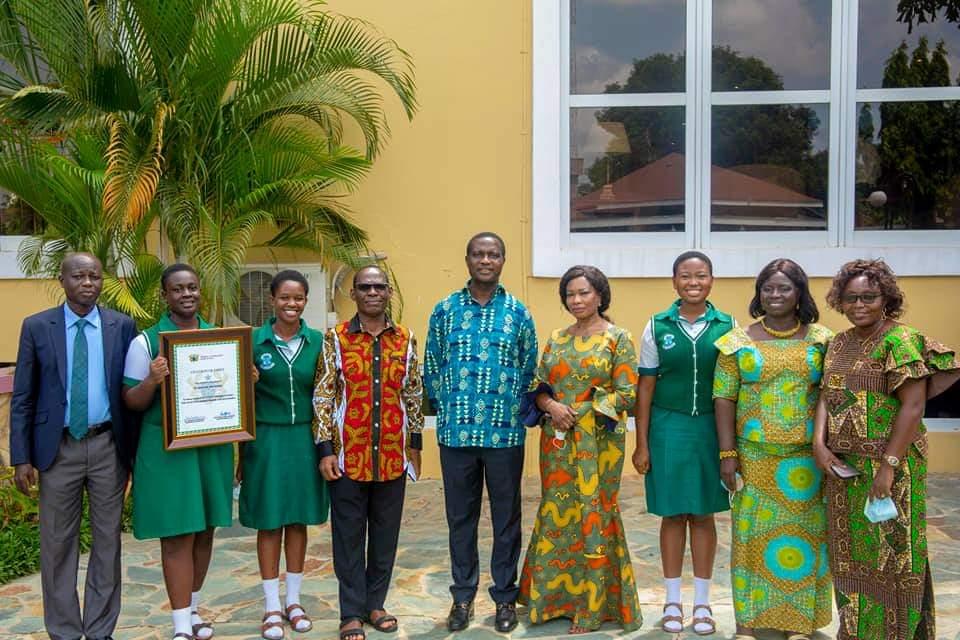 Adutwum presents Citations to 12 SHSs in Ashanti Region over Excellent Performance in WASSCE 1