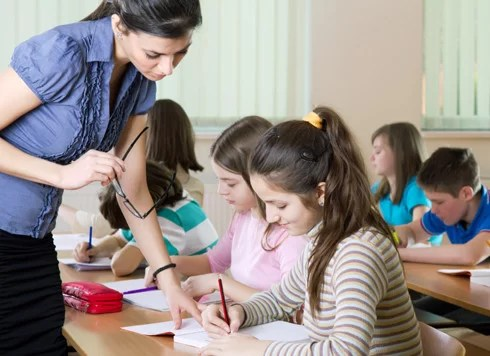 How Teachers Can Motivate Students?  Education Task