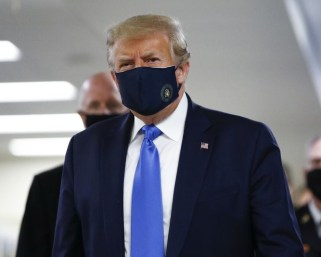 COVID-19: For the first time, Trump wears mask in public