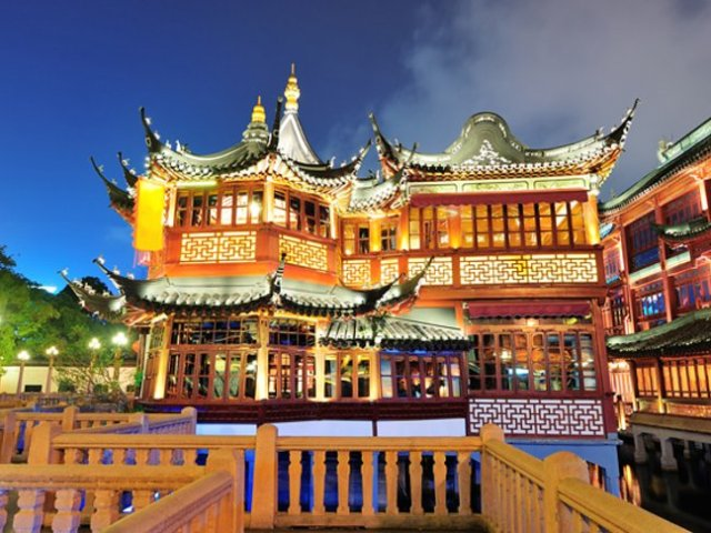 8 Best Iconic Visit Attractions in Shanghai China