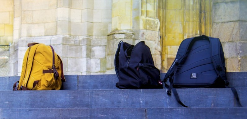 Do parents need to buy new school bags for their children every session? – 'Frugal Mum' sparks conversation