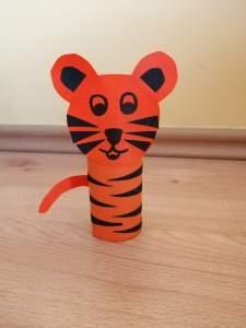 Tygrys-praca plastyczna z wykorzystaniem rolki