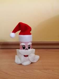 Mikołaj- praca plastyczna z wykorzystaniem rolki