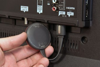 chromecast-2015-magnet-1500x1000