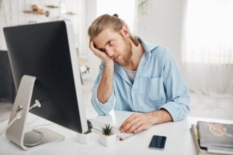 المشاعر السلبية في العمل