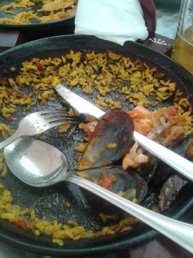 barcelona paella