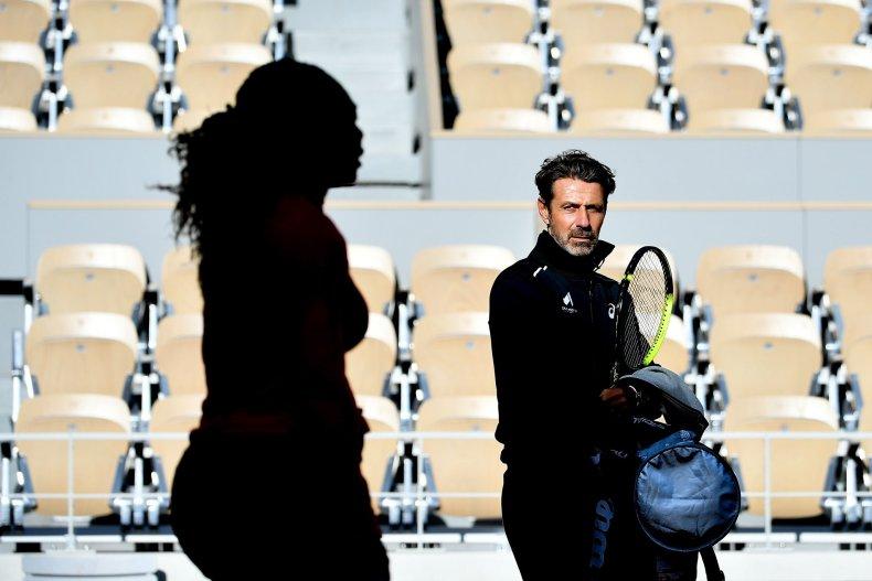 Técnico Patrick Mouratoglou e Serena Williams em treino.