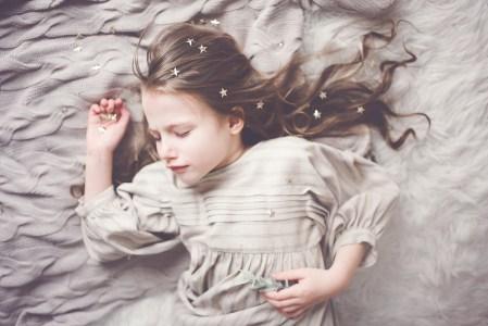 Recharger l'énergie lorsque les enfants dorment est une des clés pour être bienveillante