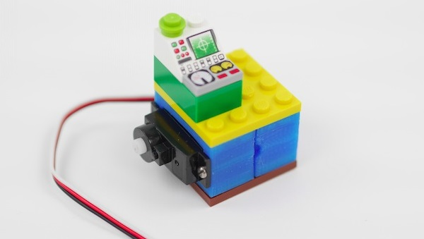 Lego-compatible servo holder made using 3D printing