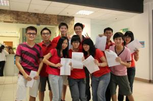 A-Levels students obtaining the excellent results at KDU College Penang
