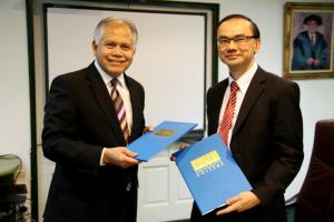 Signinig of the MOU with MRM Design Council at KDU University Colllege