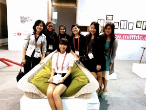 MIFF Furniture Design Competition 2014 second prize winner Lee Hui Ying together with KBU International College Design School Head Siow Yin Yoong (fourth in the row from left to right) and lecturers.