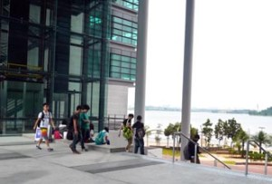 Top students learn in a modern, spacious & safe lakeside campus at Heriot-Watt University Malaysia