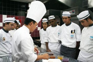 KDU College Penang culinary students are taught by experienced & award-winning chefst