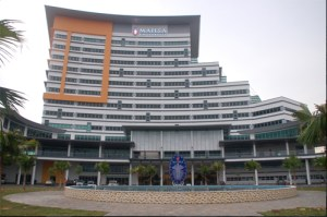 Founded in 2009, MAHSA University is a top Malaysian university famous for health science programmes and is also excellent for business and engineering courses.
