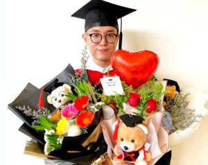 """I was confused and had some questions. EduSpiral met up with me and my mum to explain more about the course and helped me choose the right course."" Gary, Accounting Graduate from University of Wollongong Malaysia (UOWM) KDU"