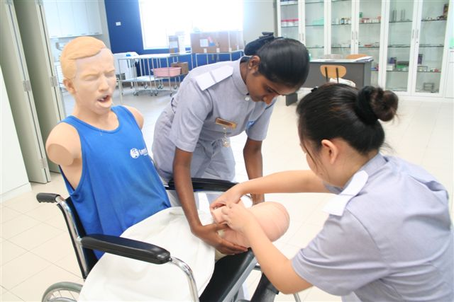 Study at the Best College in Penang for the Diploma in