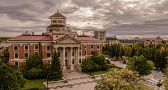 Những trường chất lượng nhưng có mức học phí cực tiết kiệm tại Canada – Phần 2