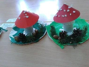Muchomorki na talerzykach papierowych Jesień (Prace plastyczne) Marlena Wrońska Prace plastyczne Rośliny (Prace plastyczne)