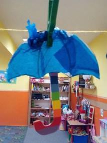 Parasol z woreczków śniadaniowych Dzień Wody Jesień Kreatywnie z dzieckiem Monika Okoń Prace plastyczne