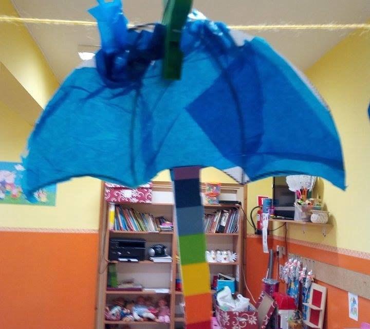 Parasol z woreczków śniadaniowych