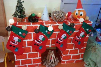 Świąteczny kominek z kartonów Aneta Grądzka-Rudziak Boże Narodzenie Dekoracje (Boże Narodzenie) Prace plastyczne Prace plastyczne (Boże Narodzenie) Święta Zima (Prace plastyczne)