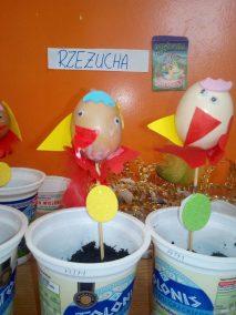 Kurczak z wydmuszki (rzeżucha) Kreatywnie z dzieckiem Monika Okoń Prace plastyczne (Dzień Zwierząt) Prace plastyczne (Wielkanoc) Światowy Dzień Zwierząt Zwierzęta