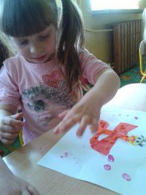 Motylki - wycinanka Kreatywnie z dzieckiem Lato Marlena Wrońska Prace plastyczne (Dzień Zwierząt) Prace plastyczne (Wiosna) Światowy Dzień Zwierząt Wiosna Zwierzęta