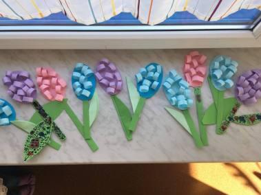 Hiacynty z papieru Patrycja Sulej Prace plastyczne Prace plastyczne (Na wsi) Wiosna (Prace plastyczne)