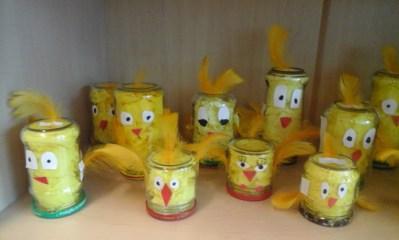 Kurczaki w słoikach Anna Kowalska Prace plastyczne Prace plastyczne (Dzień Zwierząt) Prace plastyczne (Na wsi) Prace plastyczne (Wielkanoc) Światowy Dzień Zwierząt Zwierzęta (Prace plastyczne)