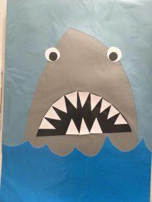 Rekin wycinany z papieru Dzień Wody Lato Patrycja Sulej Pomoce dydaktyczne Prace plastyczne (Dzień Wody) Prace plastyczne (Lato)