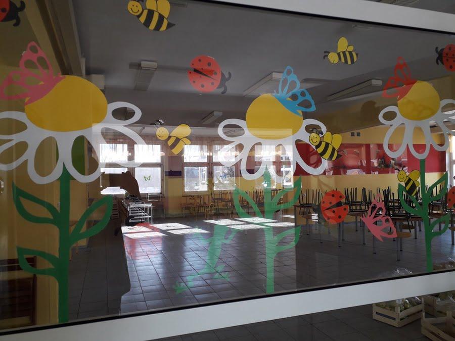 Ozdoba sali - Wiosenna łąka Alicja Mazur Kreatywnie z dzieckiem Przykłady dekoracji sali